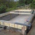 Medence betonkoszrú betnozása