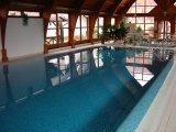 Ágnes Hotel beltéri úszómedencéje