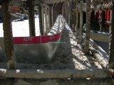 Úszómedence fenéklemezbe épített munkahézag tömítő