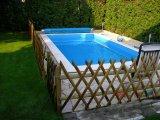 Süllyesztett víztükrű fólia burkolatú beton medence